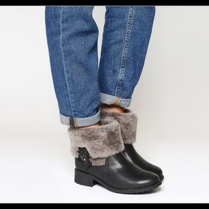 Ugg Chyler black leather grey sheepskin boots